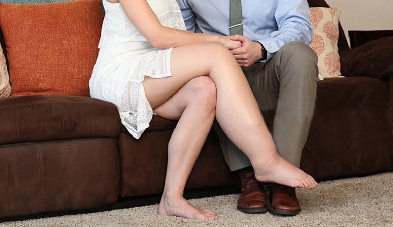 a láb duzzanata a visszerektől