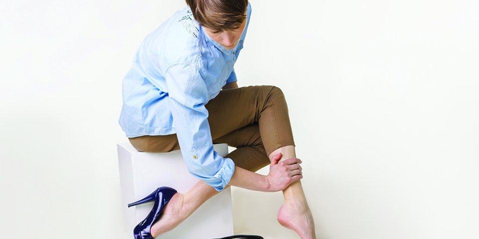 miért visszeres a lábak éjszaka fájnak hogyan kell viselni a visszerek rugalmas harisnyáját