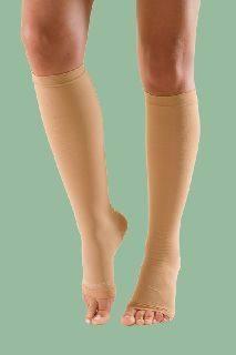 zokni és térdig érő varikózis