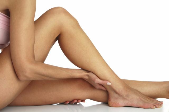 visszér erős vérzés súlyos görcsök a lábakon, visszerek